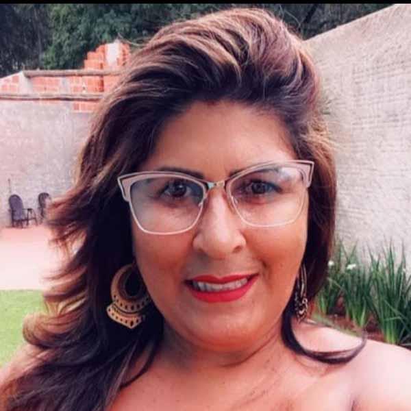 Simone Moreira comemora mais um aniversário