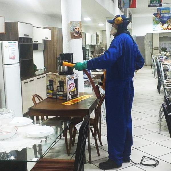 Após funcionário testar positivo para Covid-19, Kombat passa por desinfecção em Paraguaçu