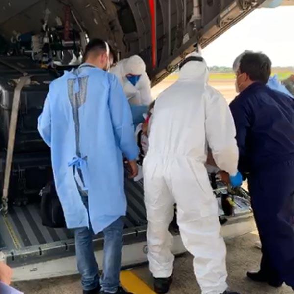 Filho de paraguaçuense, médico acompanha pacientes com Covid-19 no avião da FAB