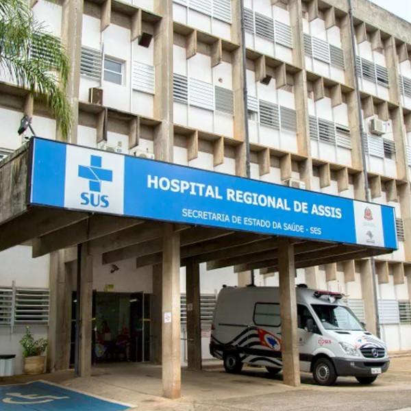 Família procura a polícia por enterrar bebê errado após hospital de Assis trocar corpos