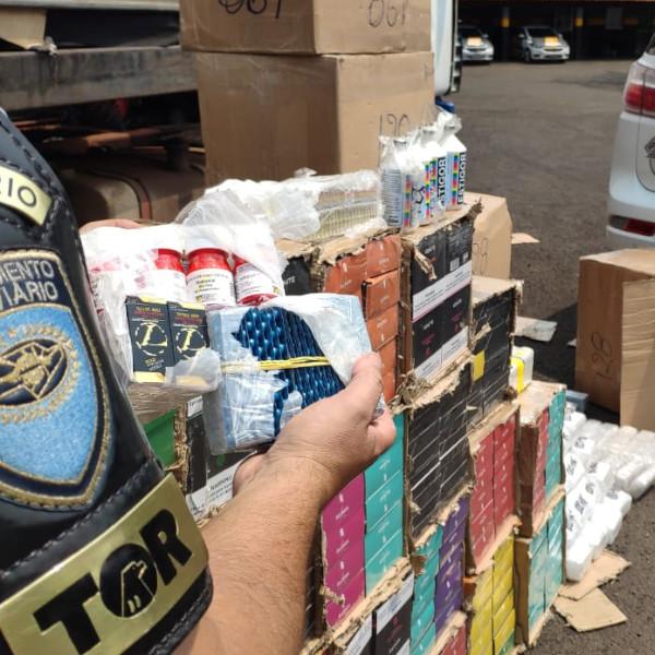 Polícia apreende medicamentos e produtos sem documentação fiscal em rodovia de Paraguaçu